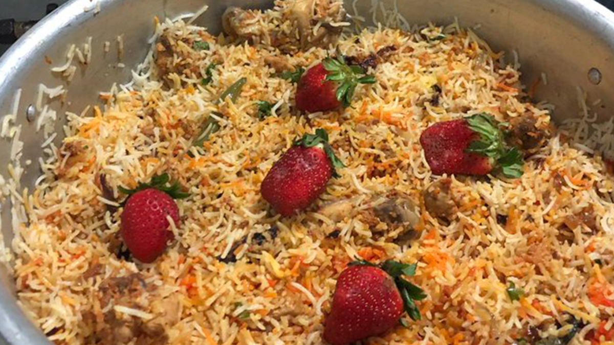 'Strawbiryani', Another Weird Food Combination Will Make You Shout 'Don't Mess With My Food' or Maybe Not!