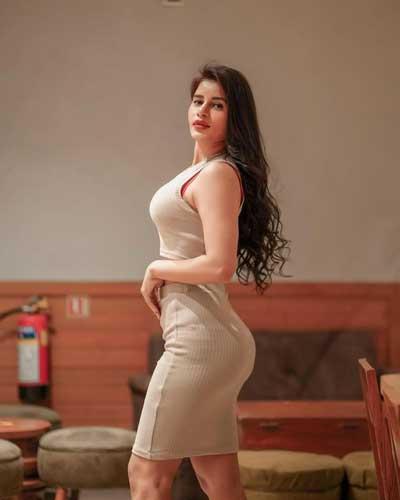 Mokshita Raghav hot pics sizes