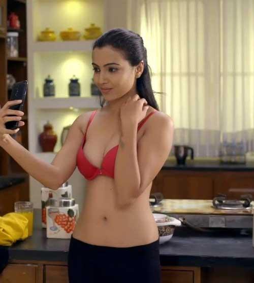 Aarohi Dike charmsukh actress