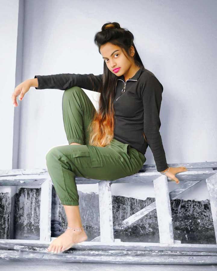 Beauty khan hot pics
