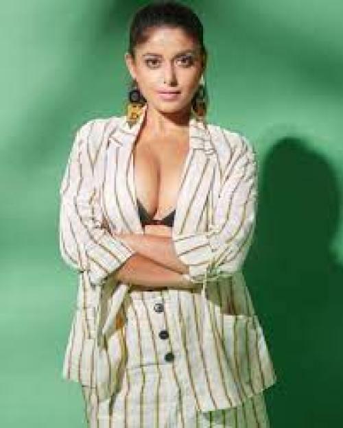Sneha Paul Wiki, Biography, Age, Boyfriend, Husband, Family, Height, Web Series, Photos & More