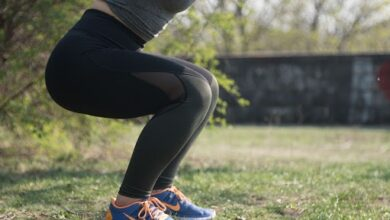 Benefits of squats: रोजच्या व्ययामातकरास्क्वाट्सचा समावेश ; शरीराला होतील'हे' फायदे